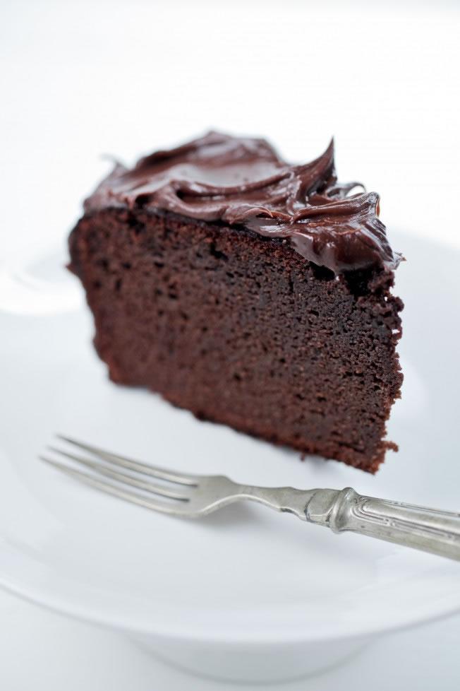 Naked-Chocolate-Cake-Graded-White-2736-652x978[1]